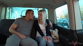 Experienced slut fucks with a stranger in the car