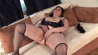 Fine mature BBW in nylon stockings refreshing herself with masturbation