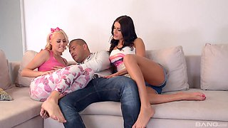 Christen and Kitana Lure want to seduce a horny lover