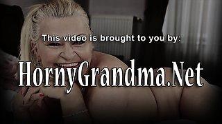 Granny in bikini jizzed