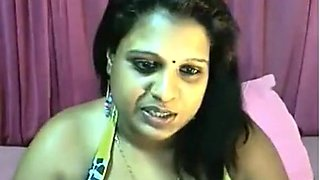 Mallu Aunty Exposing Everything