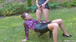 Crazy bitch Victoria Puppy pisses on sexy girlfriend outdoor
