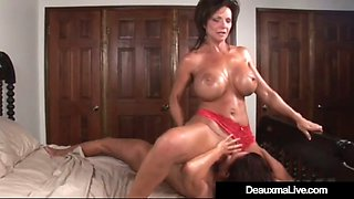 Horny milf deauxma squirts in magdalene st.michaels&#039 mouth!