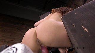 Brunettes Squirting Pussy Fucks Machine
