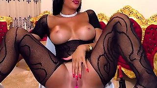 babe jasmin18v flashing boobs on live webcam
