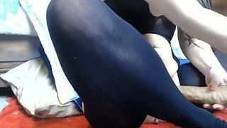 Curvy bitch fucked with sex machine in amateur video