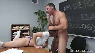 Marilyn mansion gets face fucked by charles dera
