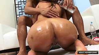 Senorita with the greatest ass ever is getting exactly what she wanted