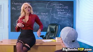 Horny miss Nicolette Shea in summer school