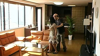 An Ordinary Japanese Housewife Fucked First By A Porn Actor