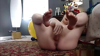 Cum get kinky with this tiny alternative housewife!