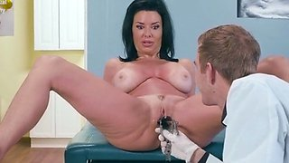 Sexy Patient Veronica Avluv Gets Her Body Examined
