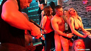 Lewd really wild Kate Gold goes nuts while working on dick in the club