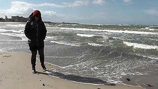 Wife fucked by strangers at the beach