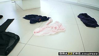 Brazzers - Moms in control -  I Wont Tell Your Father