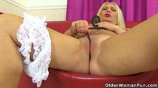 British milf Francesca loves the feel of nylon on her clit