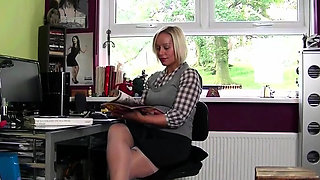 Hot pornstar nylon and cumshot