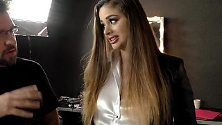 Cathy Heaven and Wendy Moon take care of one luck guy's dick
