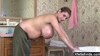 Natural tits pregnant sex and cumshot