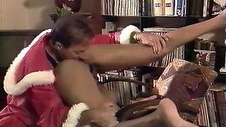 Lascivious brunette classic housewife gets a special present from Santa
