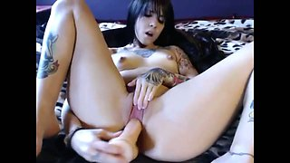 Furious emo chick fucks her twat for me on a web camera
