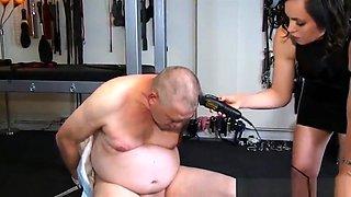 Female headshave male dominatrix