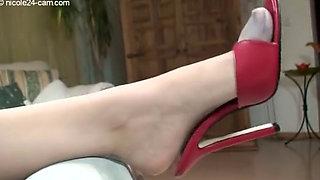 Nicole 24 - Hot shoejob