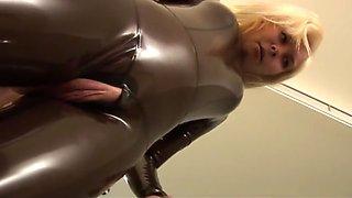 Best Cumshot, Blonde sex scene
