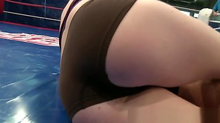 Wrestling Les Beauty Fisted By Her Opponent