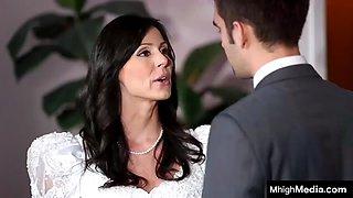 Stepmom fucks before wedding