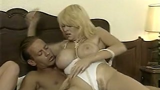 Busty and marvelous classic white milfs on the bed with one man