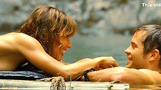 A Perfect Getaway (2009) Milla Jovovich and Kiele Sanchez