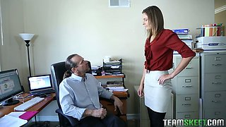 Tall secretary Shyla Ryder is just an irreplaceable person who knows how to please her boss