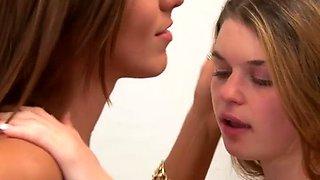 lesbian sisters rilynn and anastasia