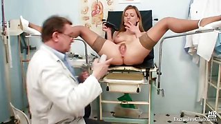 Viktorie kinky gyno pussy speculum examination by old doctor