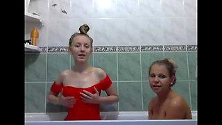 Bathtub fun   2145