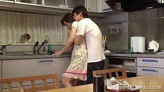 Housewife gets jumped from behind while washing the dishes