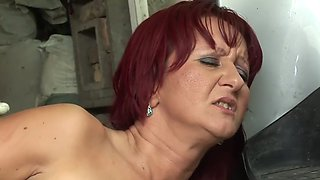 redhead milf gave in anal,pissing and drinking urine