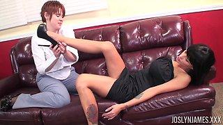Joslyn James enjoys having her throbbing clit tongued by a lesbian