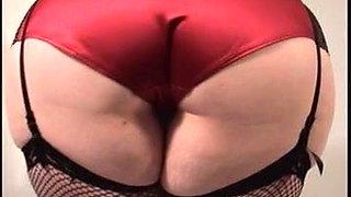 Curvy MILF Models Nylons