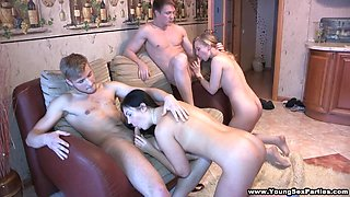 A Dinner Party Turns Into an Amateur Foursome