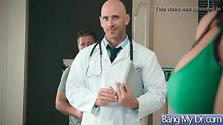Doctor seduced and hard bang a horny sexy patient (reagan foxx)