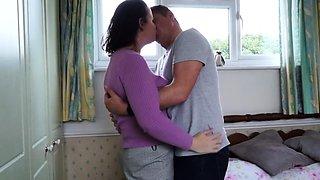 British housewife Eva Jayne fucking and sucking