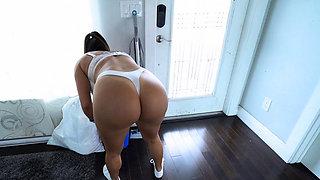 Nice thick latina MILF maid